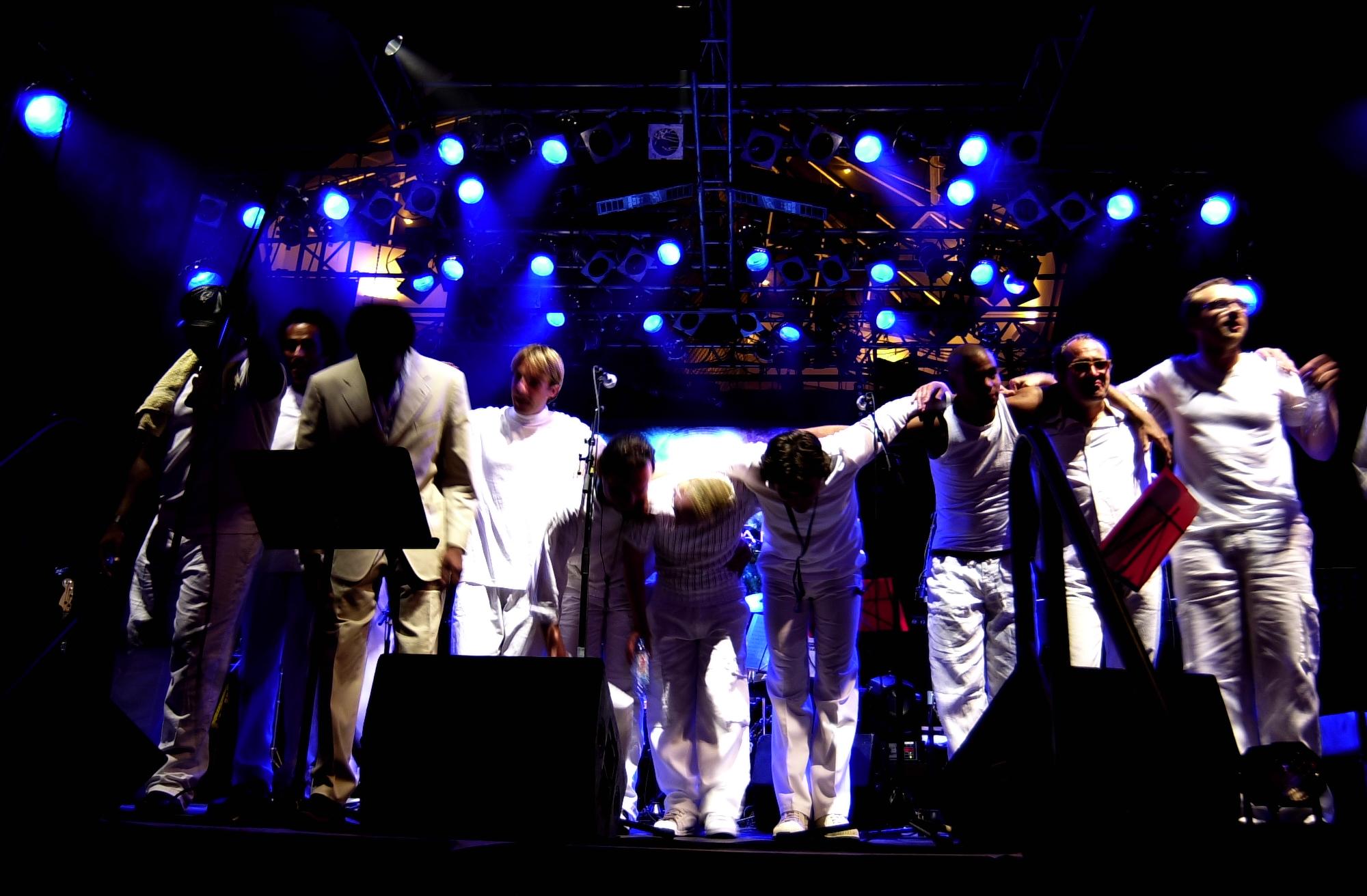 Earth wind fire tribute paris wonder band - Jazz meridien porte maillot programme ...